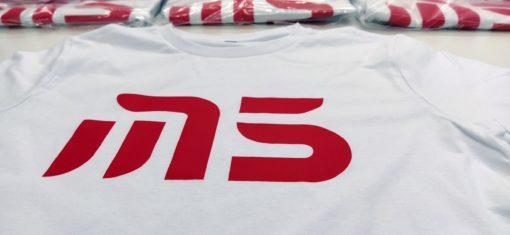 изготовление футболок с логотипом